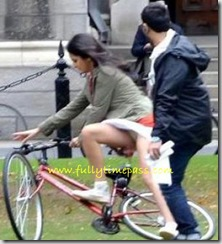 Katrina-Kaif the-cycle-at-Ek-Tha-Tiger-set-2