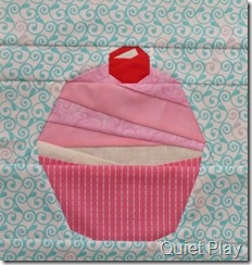Paper pieced cupcake