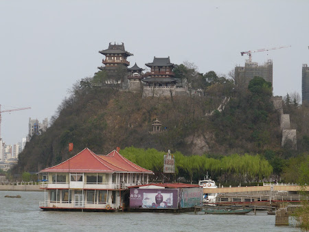 6. temple - Zhenjiang.JPG