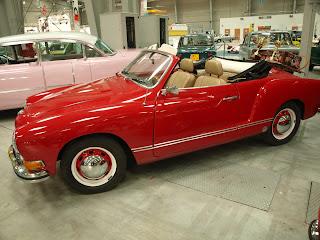 VW Karmann Ghia, model z 1972r., silnik 1.5l. w układzie boxer, identyczny stosowano w popularnym Garbusie