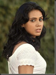 Actress Thulasi Nair in Kadal Movie Pictures