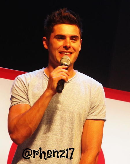 Zac Efron at Penshoppe FanCon 2012