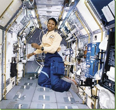Jemison_in_space