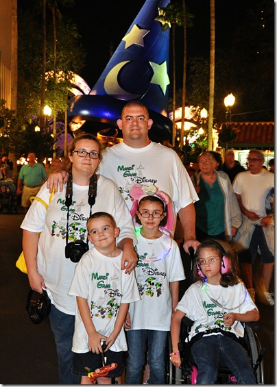 5x7 HollywoodStudios Family