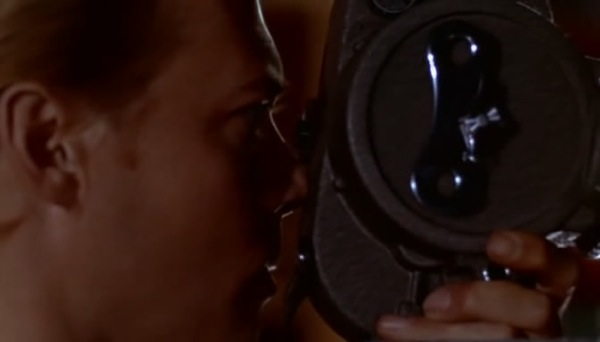 Watesam Peeping Tom 1960 Dvdrip X 264 m4v snapshot 00 45 41 2010 08 25 19 15 46