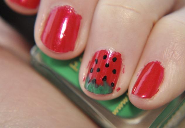 NOTD nail art strawberry barrym opi mua green red black