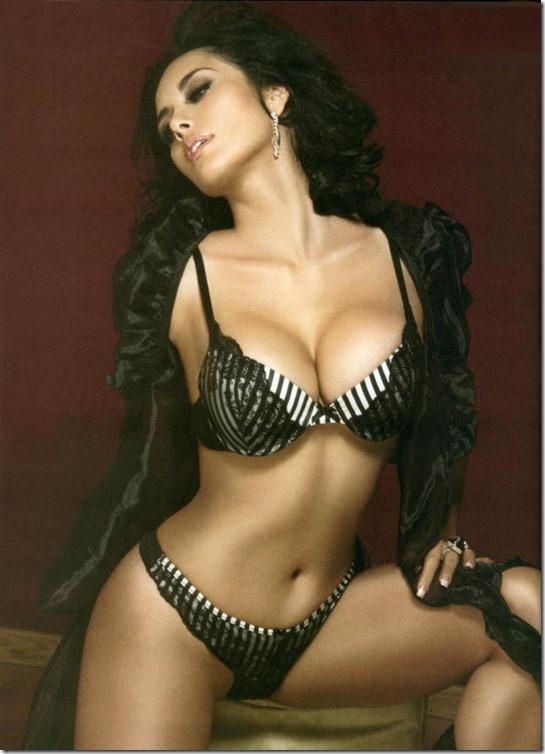 hot-mexican-models-34