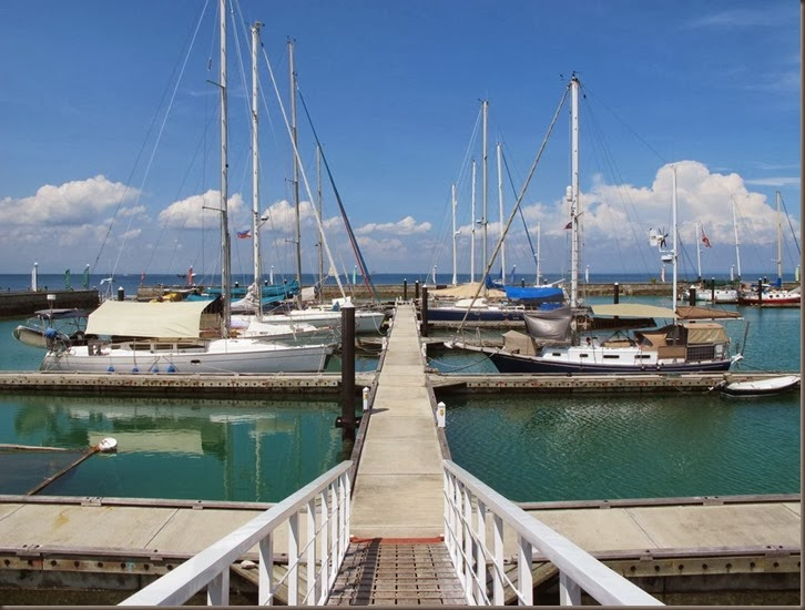 shot of oceanview marina samal island phillippines