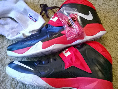 nike zoom soldier 7 pe black red white 1 01 Nike Zoom Soldier VII   Miami Heat Home and Away PEs