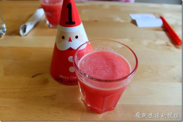 台南-PICTURESQUE早午餐。早午餐的附餐前飲料-季節果汁,今天喝到的是冰西瓜汁。