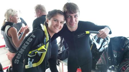 Imagini Cairns: Gata sa intram la scufundari la Marea Bariera de Corali