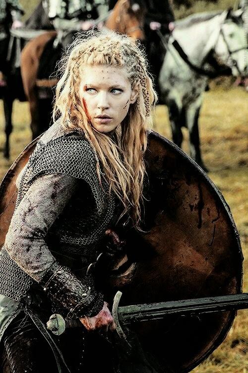 Risultati immagini per donna guerriera vichinga