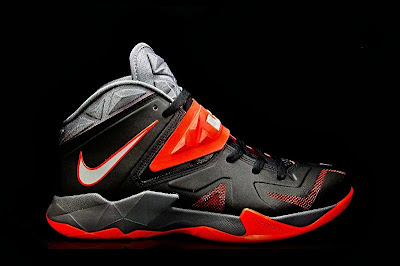 nike zoom soldier 7 gr black grey red 1 01 Nike Zoom Soldier VII   Miami Heat Away   Available Now