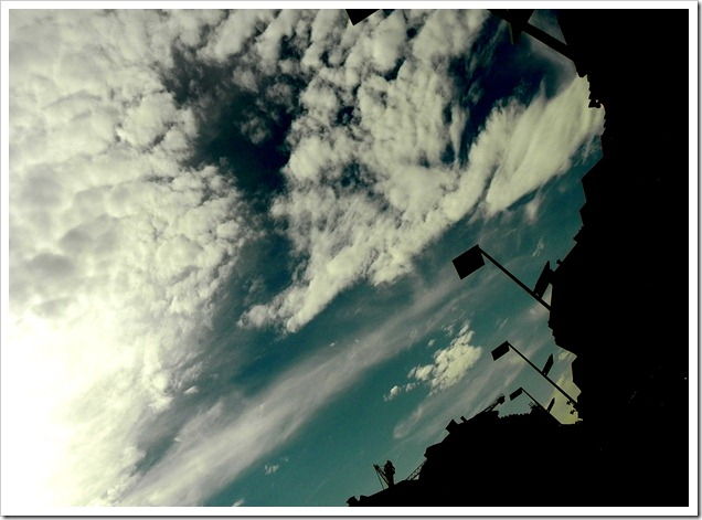Sky over Hauptbahnhof_changed