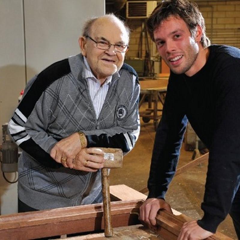 Sixth generation of Belgian woodworkers, specialized in exquisite front doors