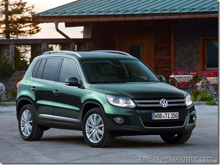 Volkswagen-Tiguan_2012_800x600_wallpaper_01