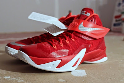 nike zoom soldier 8 ss red white 1 01 Detailed Look at Nike Zoom LeBron Soldier 8 Sample