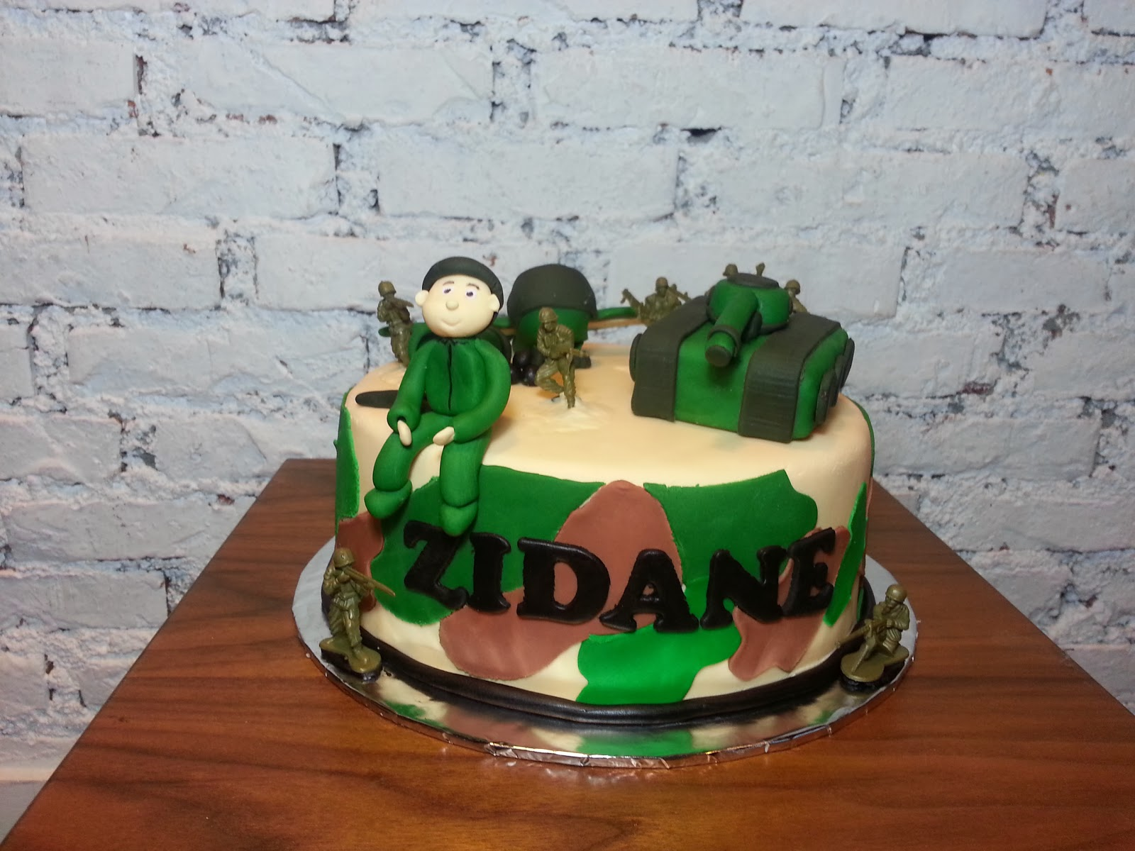 Spatula And Friends Army Themed Cake