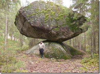 Subhanallah! Gambar Batu Gergasi Paling Seimbang Di Dunia (1)
