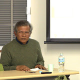 研究会のメンバーに語りかけるRiwanto氏 / Dr. Riwanto explained the situations of Indonesian workers in Malaysia.