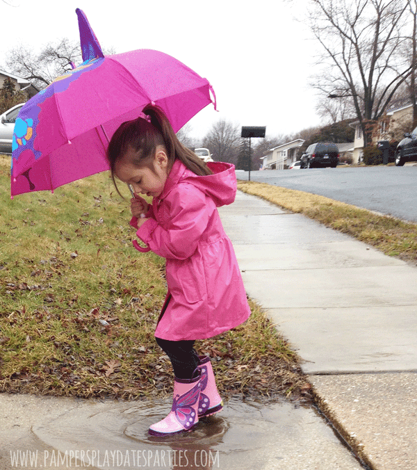 Spring-Rainy-Day-Play-Splashing-in-Puddles6