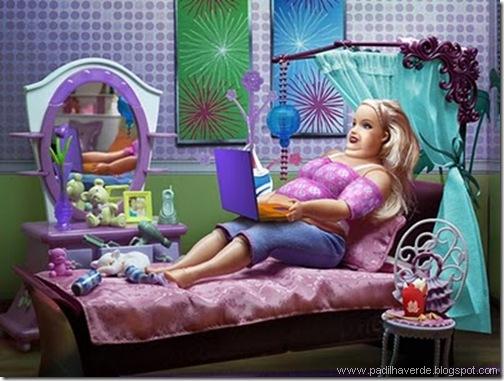 face outros Barbie cinquentona