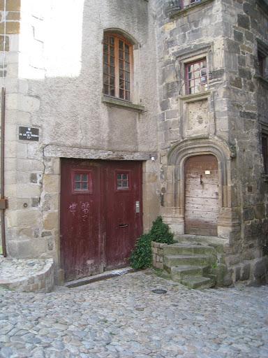 le puy vieille maison