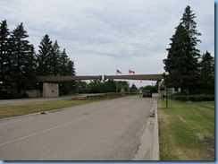 2354 North Dakota USA & Manitoba Canada - International Peace Garden - entrance