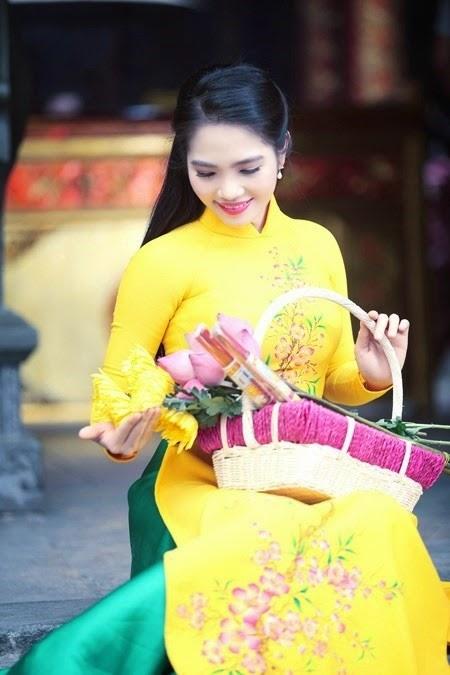 Văn hóa nghệ thuật phật giáo - người áo lam