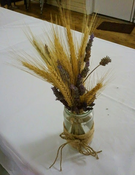 The lovely country table decorations