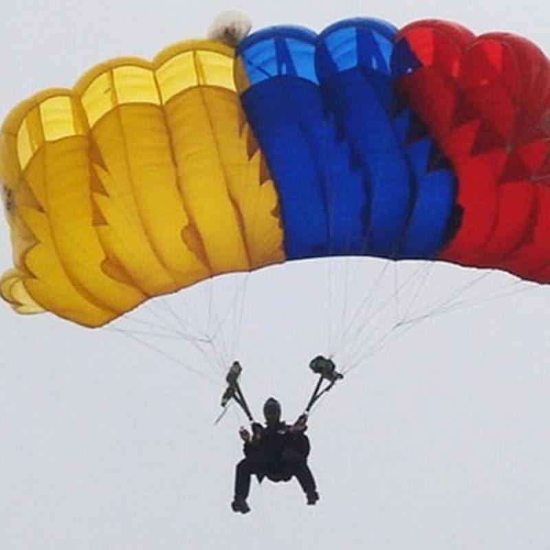 Día del Paracaidismo en Ecuador