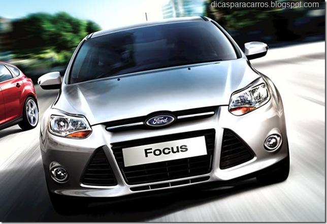 Ford-Focus_2013
