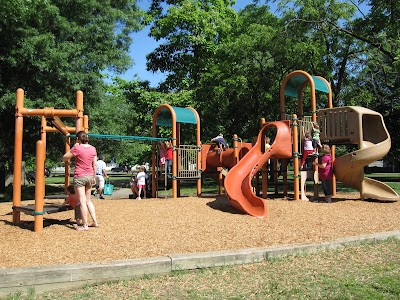Quincy Park Playground (22201)