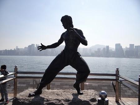 Anul Nou Chinezesc: Statuia lui Bruce Lee