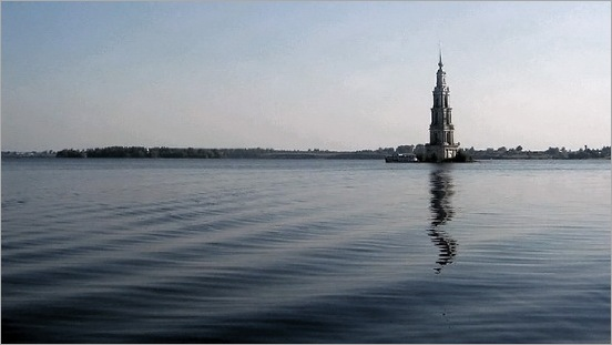 Mysterious_Bell_Tower_Under_The_Lake_02