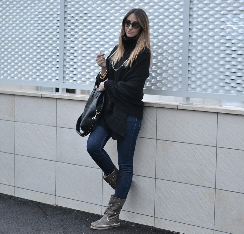 LdiR - l' Artigiano di Riccione, stivali Indianini, Cheap Monday jeans, Givenchy Bag, Italian Fashion Bloggers, Fashion Blogger Italiani, Fashion Blogger Toscani, Fashion blogger Firenze, Florence fashion Blogger, Outfit, Look of the day, Primark Necklace, primark, poncho, Dior Sunglasses