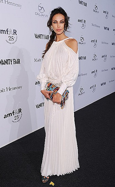 Madalina Ghenea Fendi white plissé dress  ballon sleeves from FENDI SS 2012 Precollection FENDI vintage Baguette.