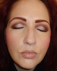 nude look_whole face eyes closed