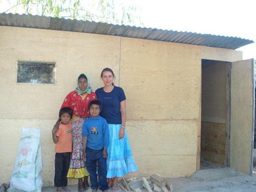 kuka la enfermera y sus 2 hijos