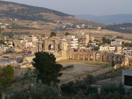 Obiective turistice Jerash: Hipodromul roman