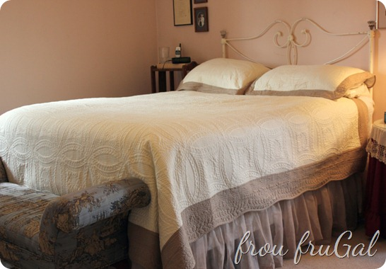 Matelasse Coverlet and Window Scarf Bed Skirt