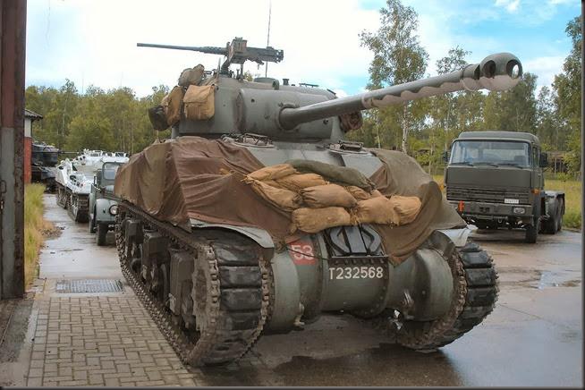 M4A4 Sherman VC 17pdr MT (1)