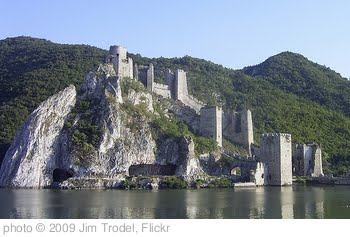 'Golubac Fortress - Golubac, Serbia' photo (c) 2009, Jim Trodel - license: http://creativecommons.org/licenses/by-sa/2.0/