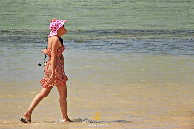 Girls Sashaying Under the Sun at Caramoan's Bagieng Island