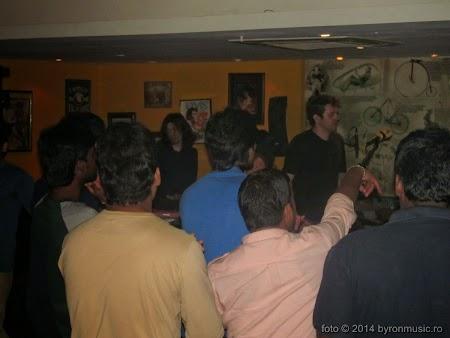 10. byron live în Geoffrey's Pub Chennai - byron 2014.jpg