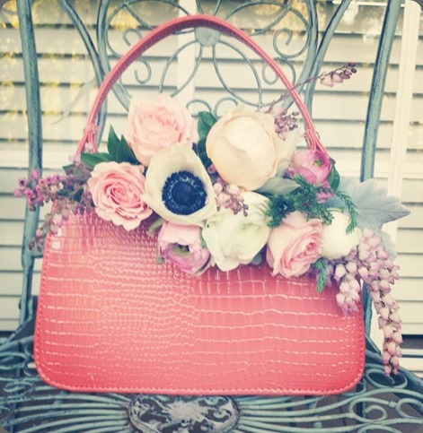 purse 1095109_10151799900354320_1182395968_n chanele rose flowers