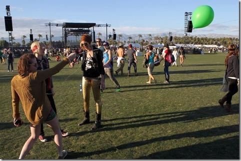 2012 Coachella Music Festival Day 2 AQiW8Iiwtzul