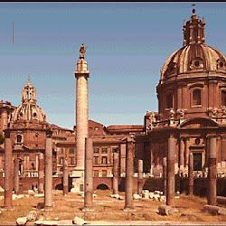 25 - Foro de Trajano en Roma con la columna trajana