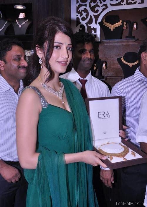 Shruti Hassan Hot Navel Photos 2012 8