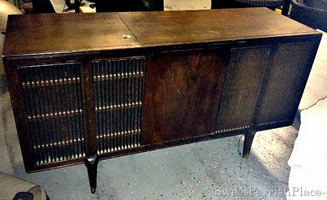 MCM Record Player Makeover1